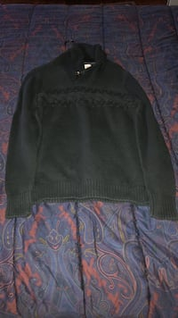 1901 Sweater Medium  Germantown, 20876