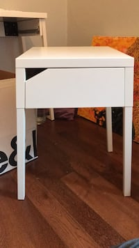 white wooden 2-layer side table Toronto, M4M 3A9