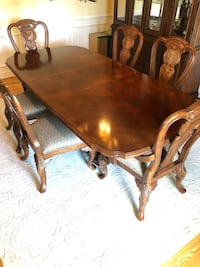 Bernhardt Antique Handcrafted Hardwood Dining Room Set