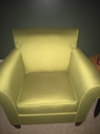 white leather padded sofa chair Capitol Heights, 20743