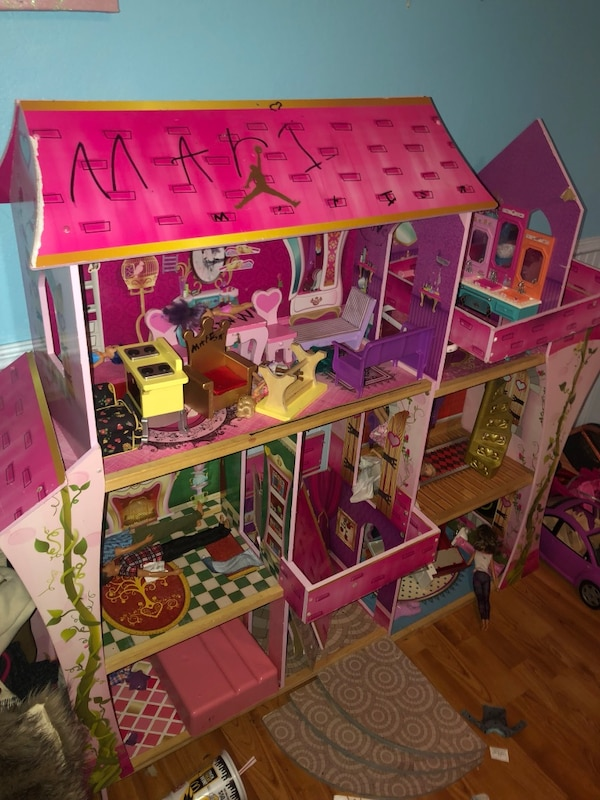 Used Barbie House Cars Barbie Furniture Barbies Ken And Babies Lots