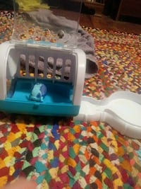 white and blue plastic pet carrier Williamstown, 41097