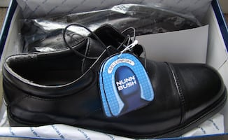 BNIB - Nunn Bush shoes size 9 1/2 black