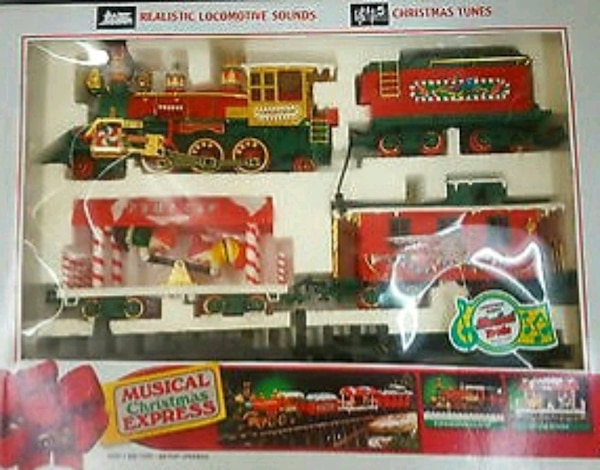 BRIGHT VINTAGE MUSICAL CHRISTMAS EXPRESS TRAIN SET