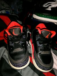 pair of black Air Jordan basketball shoes Laurinburg, 28352