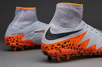 Limited edition Nike hyper venom phantom ll (only 500 pairs made in the world) Size.8 Men's Clarington, L1E 0A8