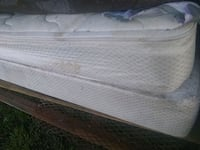 Full mattress and box springs Wesson, 39191