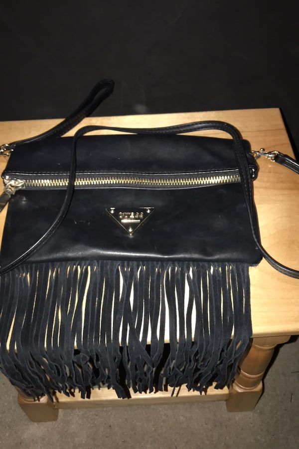 Guess side bag fe509890-98bf-4561-8d05-f70c3a3f3317