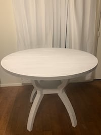 Kitchen Table for sale no chairs