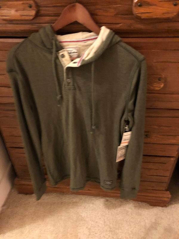 NWT Men's Small Flag & Anthem henley hoodie 9e6f043a-b884-41df-9248-0ce807135486
