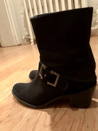 Gently Used Stuart Weitzman Black Bootie (mSize 8 Washington, 20003