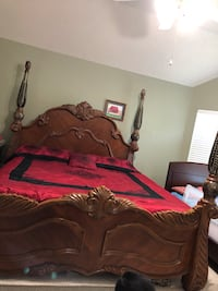 King bedroom set (victorian collection) solid wood Pearland