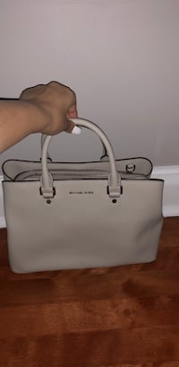 white Michael Kors leather tote bag Montréal, H4V 2P1