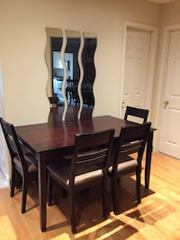 Solid wood table with 4 chairs  Richmond Hill, L4C 9Z1