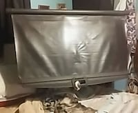 black and gray flat screen TV Arab, 35016