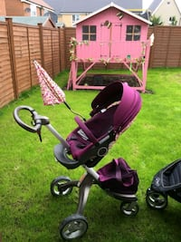 baby's black and pink stroller Greater London, SW2