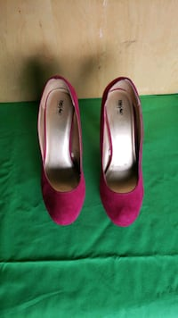 Magenta Suede Dress Shoes Size 9