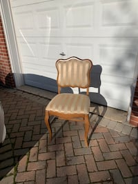 Upholstered Chair Markham, L3T 3L5