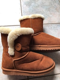 brown Uggs boots size 8 West Boylston, 01583