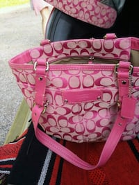 Coach purse Charleston, 25302