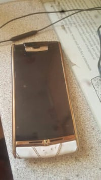 Vertu signature touch £80ono Greater London, E17 8PT