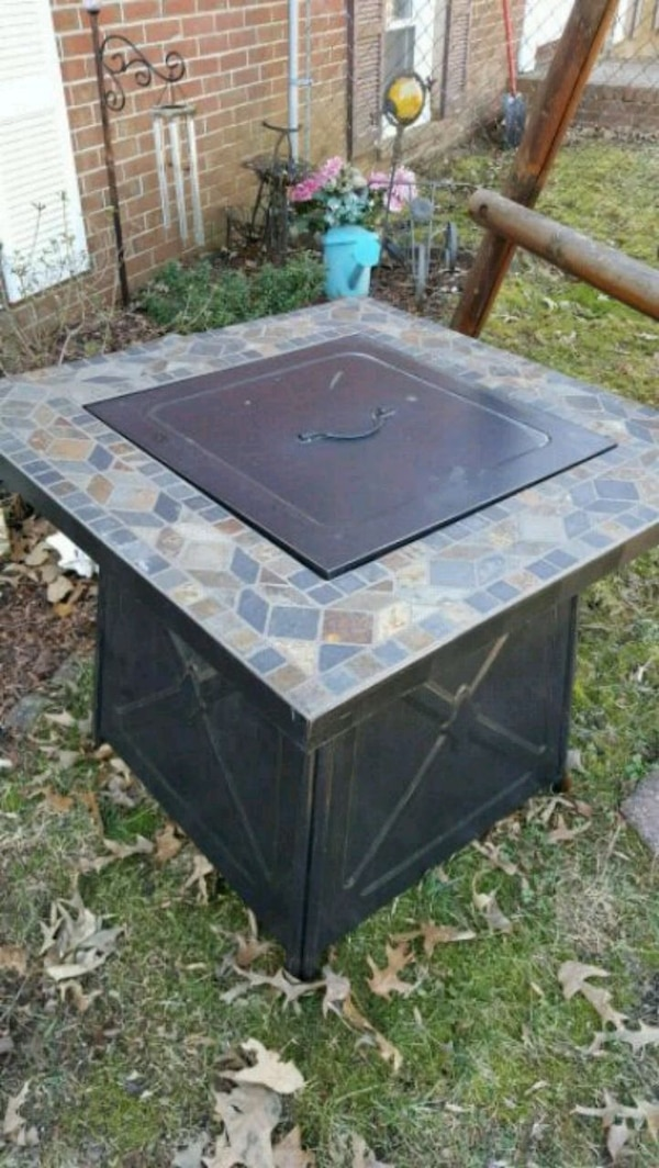 Fire pit like new
