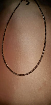 Gold chain necklace Laval, H7R 4T7