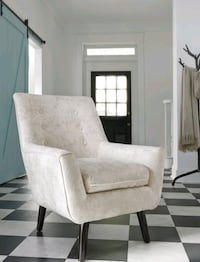 Beautiful Ivory Color Accent Chair, Brand New for Sale in Maryland! Baltimore