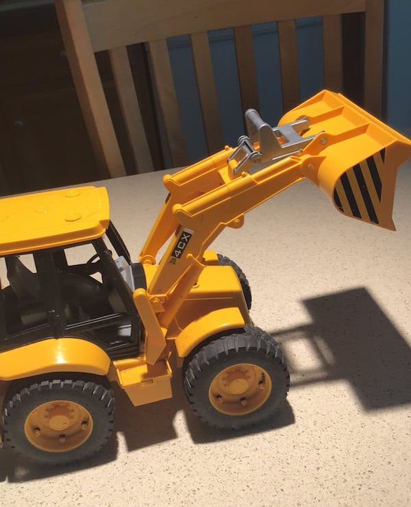 Toy construction vehicle 3