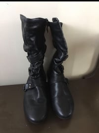 Ladies fall boots size 6 Calgary, T3J 5G8