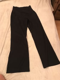 Black maternity pants from Thyme Montréal, H8R 3W6