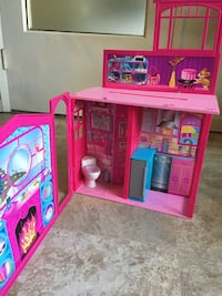 pink and blue plastic doll house toy Seattle, 98164