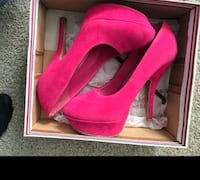 Brand new in box size 7.5 pink pumps  Arlington, 76016