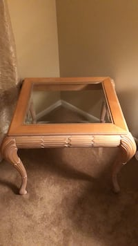Solid oak end table with beveled glass top  Little Falls, 07424