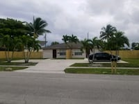 2BR /2BA, DEN - WITH BUILT IN CLOSET  Boynton Beach