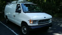 Ford - E-Series - 2000 Freehold, 07728