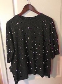 Zara sweater size M oversize color grey with pearls Toronto, M9M 2T1
