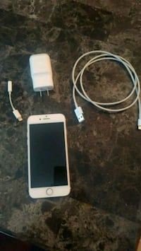 iPhone 7 with charger and adapter Red Deer, T4P 4G5