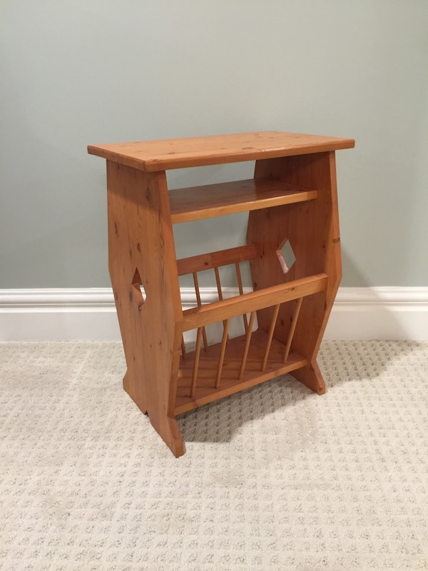 Handcrafted wood side table with magazine rack 11c90ca7-2d04-4ec9-bda6-3fb95854b259