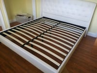King bed frame brand new free delivery Hollywood, 33023
