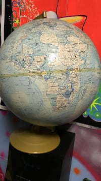 earth globe on stand Springfield, 22150