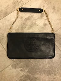 Tory Burch clutch  561 km