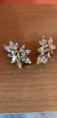 1910 vintage Trifari crystal clip on earrings Mint Clermont, 34711