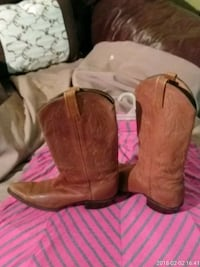 pair of brown leather j-toe cowboy boots Hamilton, 45011