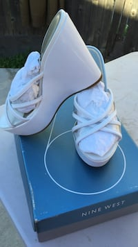 White leather open toe wedge Fairfield, 94533