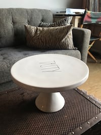 Cake stand, used once Arlington, 22201