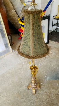 brown and white floral table lamp Parkville, 21234
