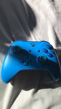 blue and black Xbox One controller Golden, 80401