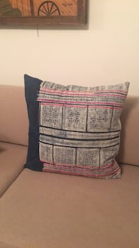 Large Throw pillow  Los Angeles, 90031