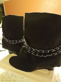women's black boots California, 92585